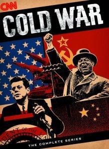 I väst är taktiken nu att återuppväcka kalla kriget och utmåla Ryssland som en stor och farlig fiende.