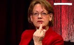 När Gudrun Spyrman inte är upptagen med att halsa brännvin direkt ur flaskan, så räcker hon gärna långfinger åt hela den svenska manliga befolkningen när hon jämför oss med talibaner och föreslår mansskatt.